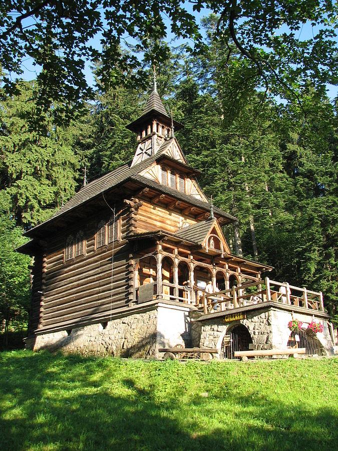 Kaplica na Jaszczurówce – zakopiański styl architektoniczny