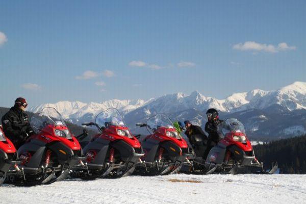 Skutery śnieżne w Zakopanem