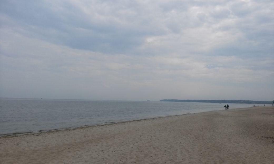 Piaszczysta plaża w Rewie 8