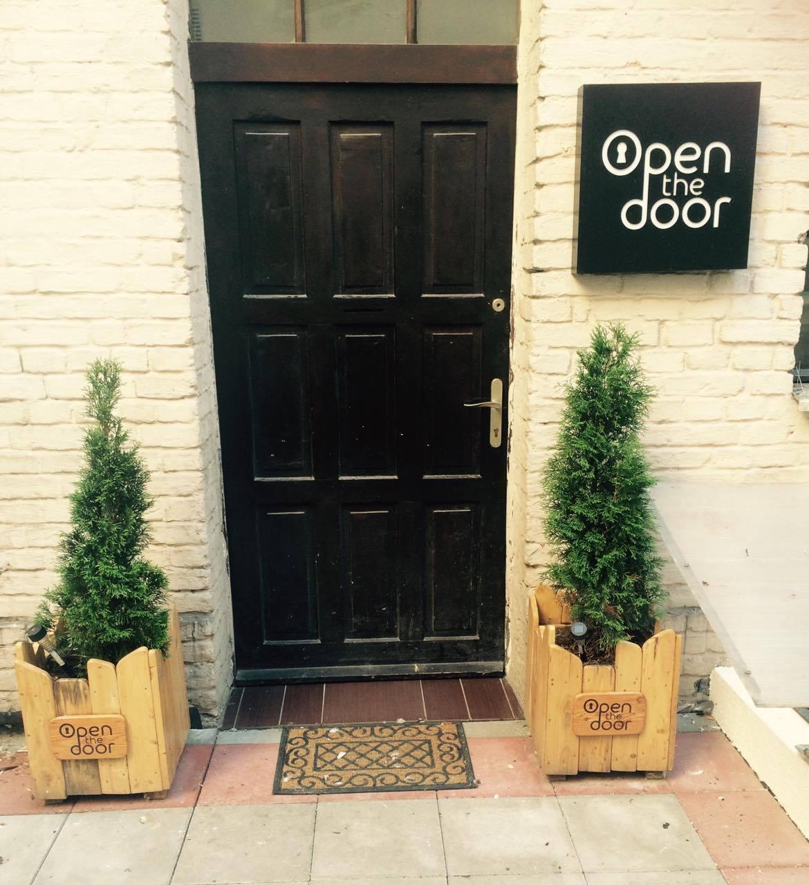 Open The Door - Escape Room 1
