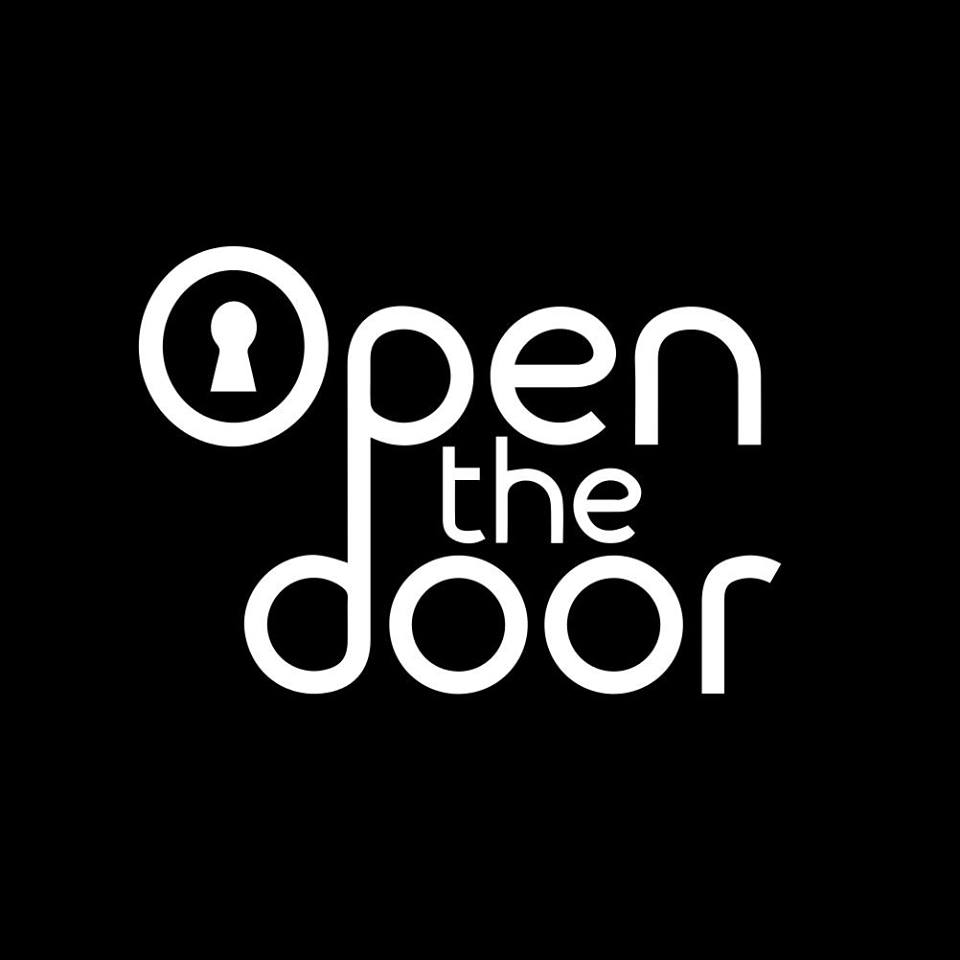 Open The Door - Escape Room